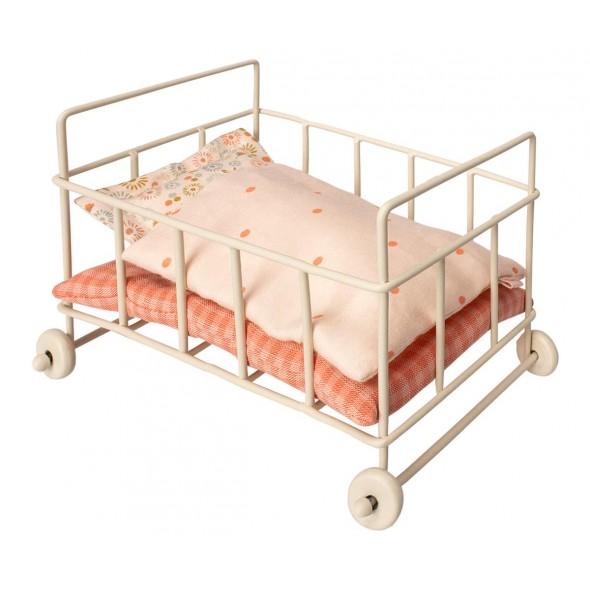 Petit lit  à roulettes pour bébé souris/lapin (micto)