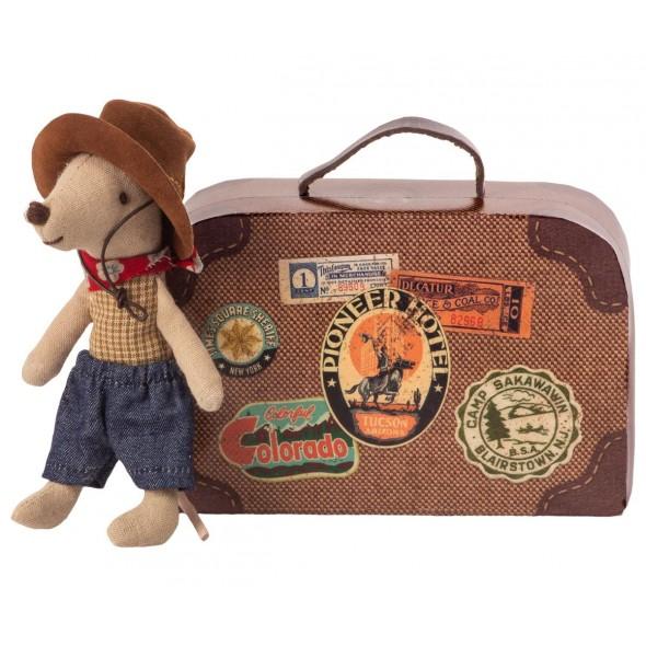 Petite frère souris cowboy dans sa valise