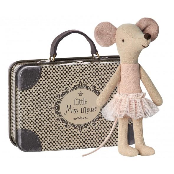 Grande soeur souris ballerine dans sa valise