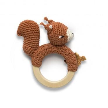 Anneau hochet en crochet - Star the squirrel