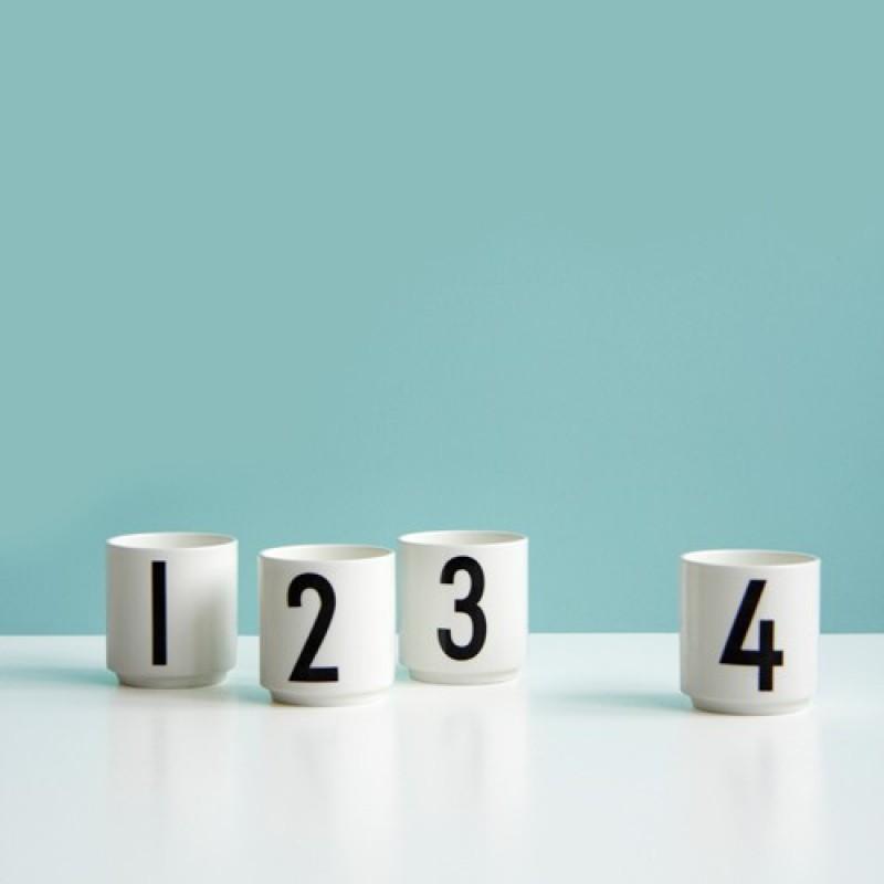 set de 4 tasses expresso arne jacobsen design letters perlin paon paon. Black Bedroom Furniture Sets. Home Design Ideas
